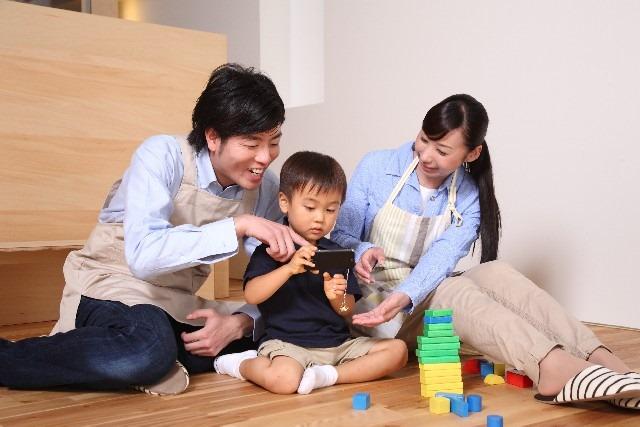 赤ちゃんがニコニコ喜ぶ、口コミで評判の楽しいスマホアプリ5選