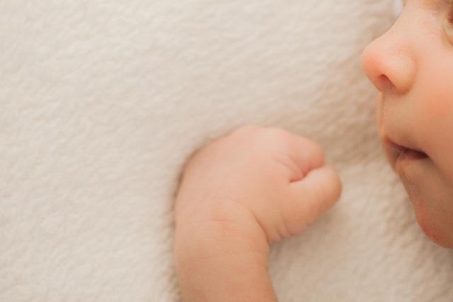 笑わない赤ちゃん...サイレントベビー4つのチェックポイント