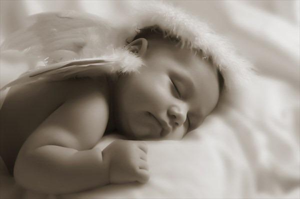 これって病気?赤ちゃんの体調を判断できる咳やくしゃみ4つの特徴