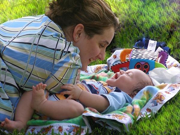 うちの子は変な音が好き?赤ちゃんが思わず笑う「音」5選