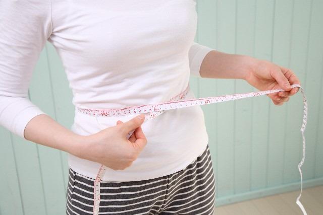 痩せたいけど…母乳育児でダイエットはいつまで厳禁?授乳中の必要カロリー摂取量は?