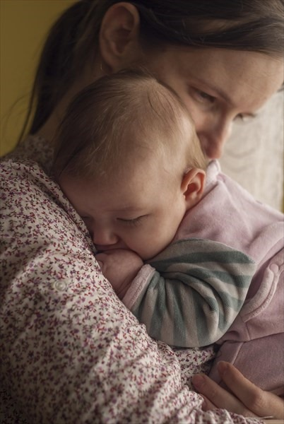 赤ちゃんの夜泣きはいつから始まる?あまり泣かない子もいる?