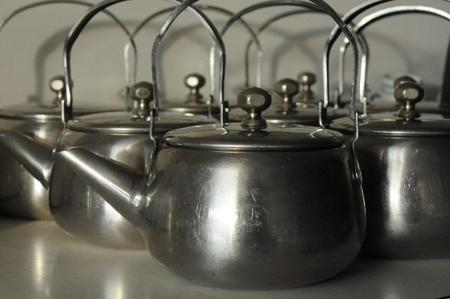 ミネラルウォーターで粉ミルクを作る際も煮沸が必要?その理由とは?