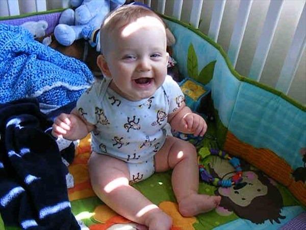 スクスク♪握り遊びがもたらす赤ちゃんの成長への5つのメリット