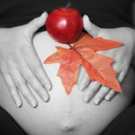 産まれる!?寒気・眠気・動悸など臨月の出産兆候について
