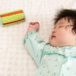 赤ちゃんのいびつな頭の形はドーナツ枕で良くなる?理由・効果・注意点8つ