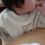 どうして?赤ちゃんが離乳食の椅子から立ち上がる理由と対処法5つ
